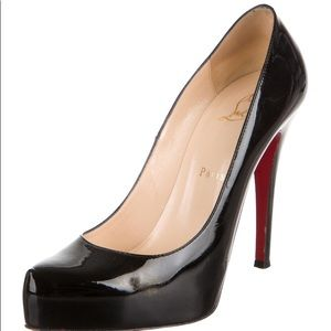 Louboutin Patent leather pointed-toe pumps sz 39